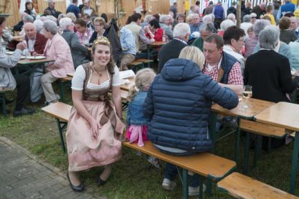 09 Dertinger Weinfest