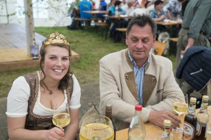 16 Dertinger Weinfest