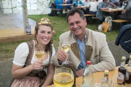 17 Dertinger Weinfest